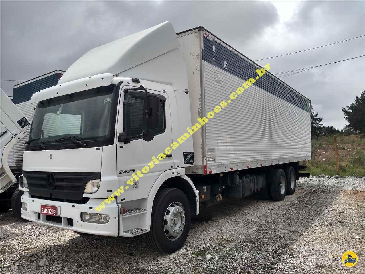 CAMINHAO MERCEDES-BENZ MB 2425 Baú Furgão Truck 6x2 Vitória Caminhões CURITIBA PARANÁ PR