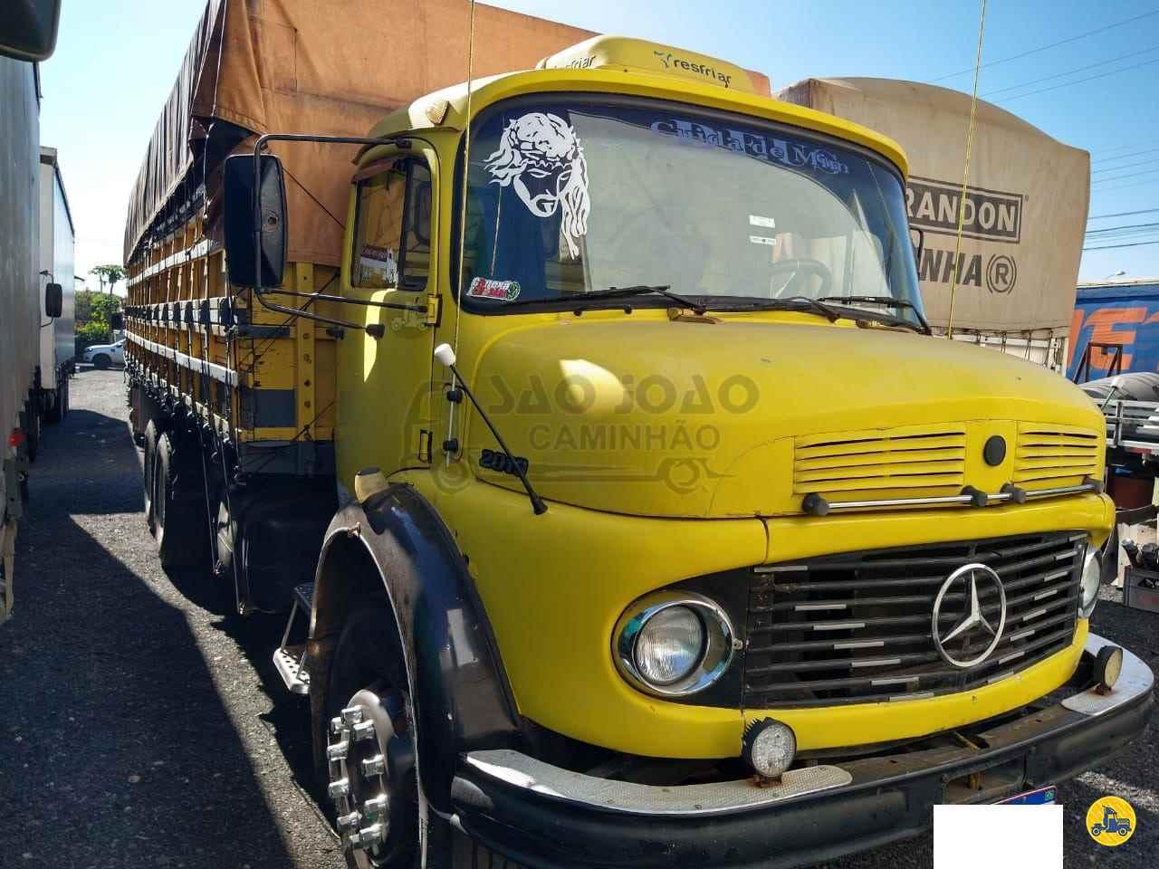 CAMINHAO MERCEDES-BENZ MB 2013 Graneleiro Truck 6x2 São João Caminhão SAO JOAO DA BOA VISTA SÃO PAULO SP