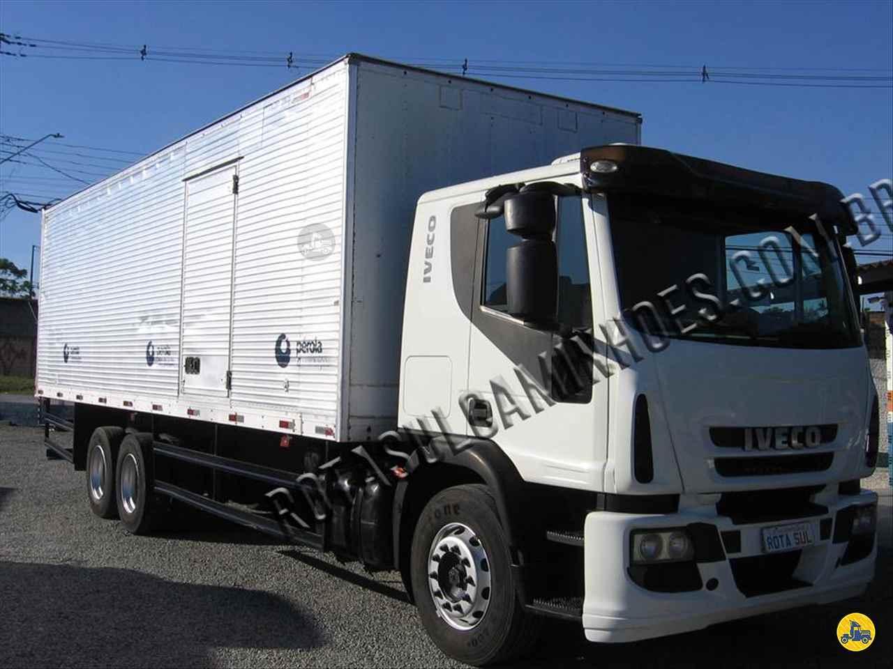 CAMINHAO IVECO TECTOR 240E25 Baú Furgão Truck 6x2 Rota Sul Caminhões CURITIBA PARANÁ PR