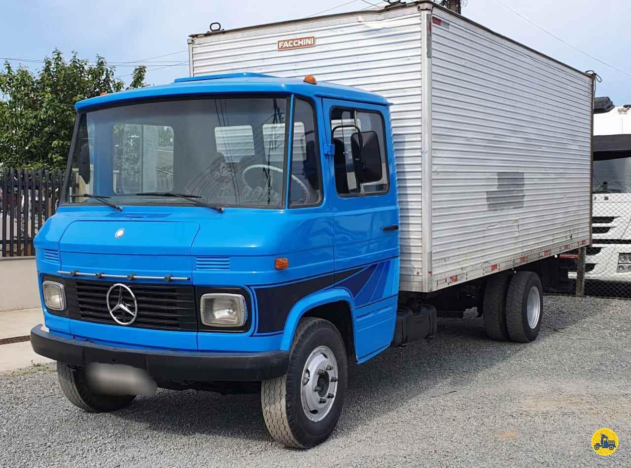 CAMINHAO MERCEDES-BENZ MB 608 Baú Furgão 3/4 4x2 Trevo Caminhões - AGB ITAJAI SANTA CATARINA SC