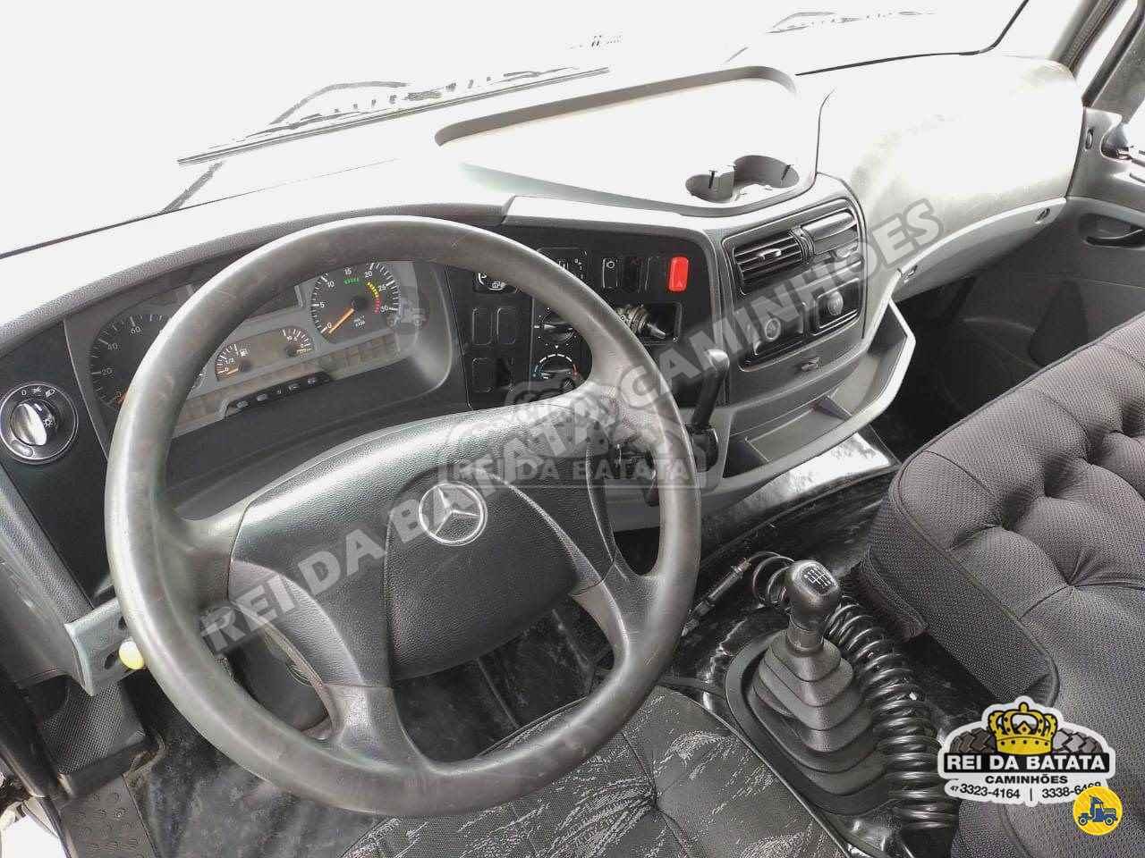 MERCEDES-BENZ MB 2428 875000km 2010/2010 Rei da Batata Caminhões