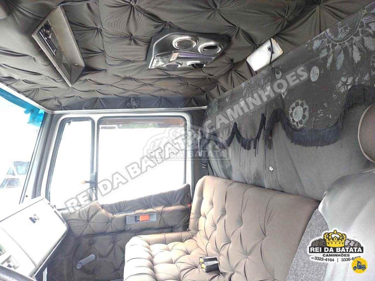 MERCEDES-BENZ MB 1218 104000km 1996/1996 Rei da Batata Caminhões