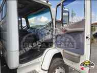 MERCEDES-BENZ MB 1620 494000km 2002/2002 Rei da Batata Caminhões