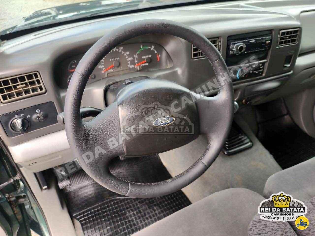 FORD F250 XLT 347000km 2003/2003 Rei da Batata Caminhões