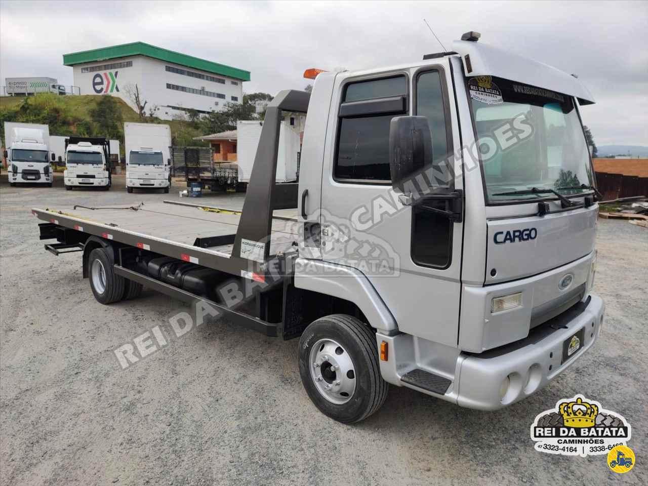 CAMINHAO FORD CARGO 815 Plataforma Guincho 3/4 4x2 Rei da Batata Caminhões BLUMENAU SANTA CATARINA SC