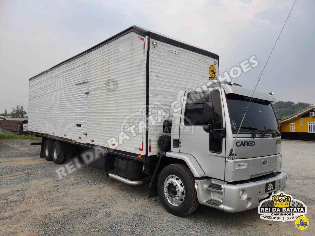 CAMINHAO FORD CARGO 2422 Baú Furgão Truck 6x2 Rei da Batata Caminhões BLUMENAU SANTA CATARINA SC