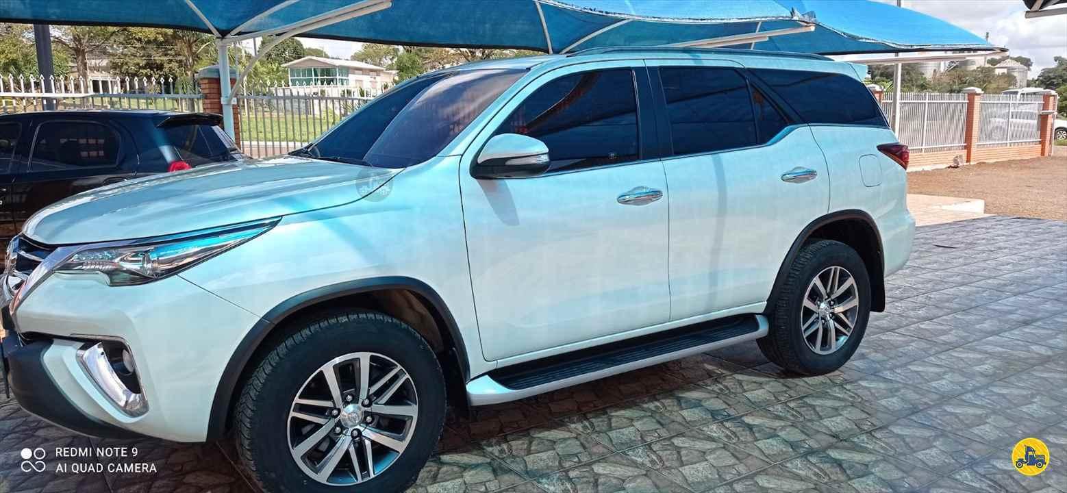 CARRO TOYOTA Hilux SW4 2.8 SRX Perin Veículos SARANDI RIO GRANDE DO SUL RS