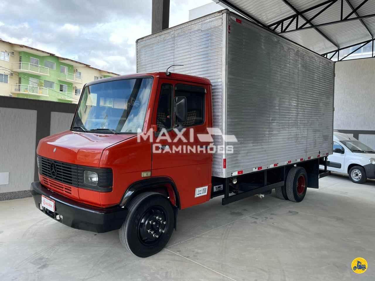 MB 709 de Maxi Caminhões - TERESOPOLIS/RJ