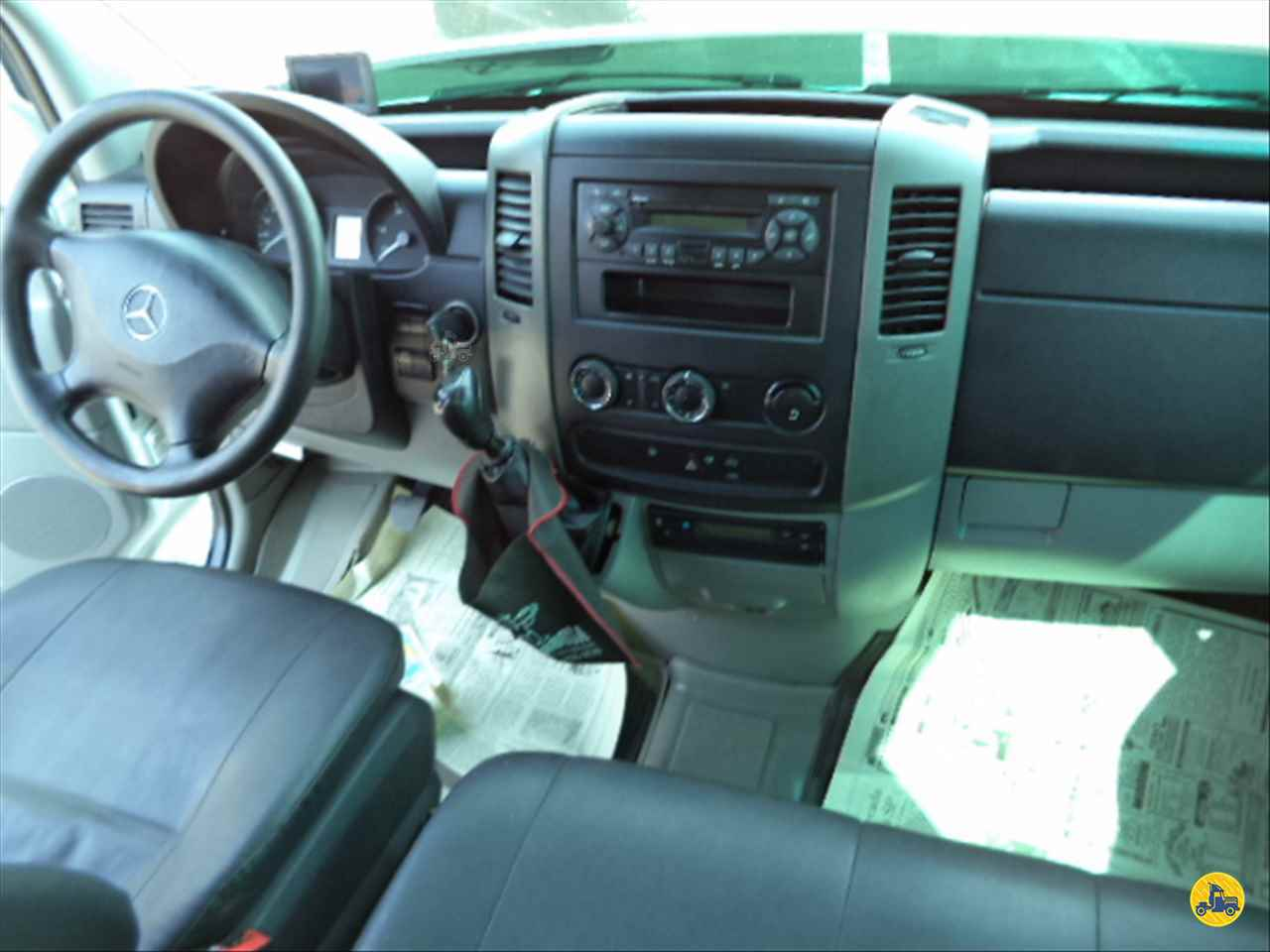 MERCEDES-BENZ Sprinter VAN 415 358000km 2014/2015 Nego Véio Caminhões e Ônibus
