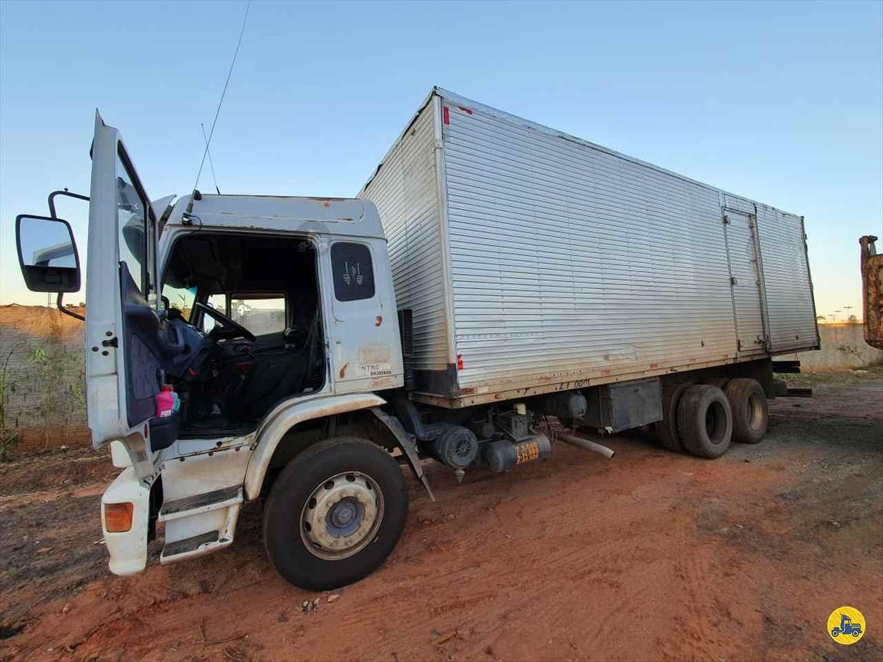 CAMINHAO MERCEDES-BENZ MB 1723 Baú Furgão Truck 6x2 Barbosa Caminhões LINS SÃO PAULO SP