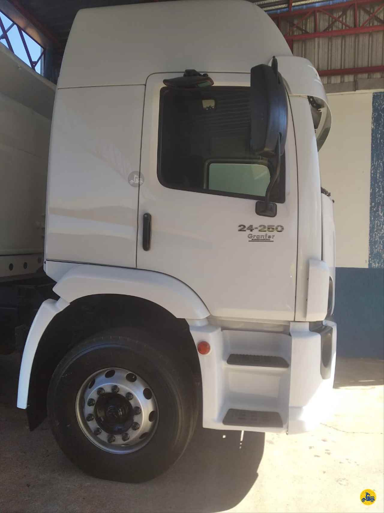 CAMINHAO VOLKSWAGEN VW 24250 Caçamba Basculante Truck 6x2 Barbosa Caminhões LINS SÃO PAULO SP