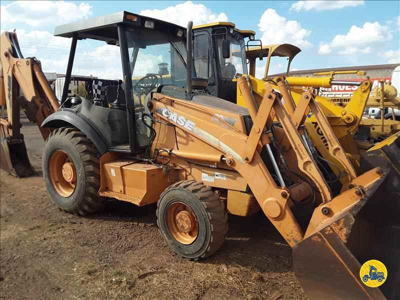 CASE 580M  2010/2010 Capital Caminhões - Metalesp e Recrusul