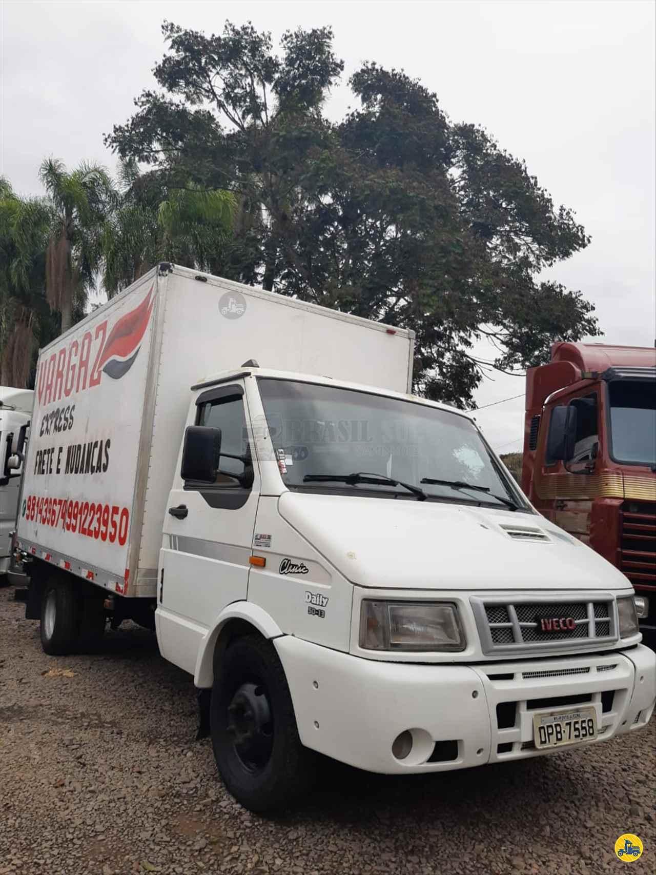 CAMINHAO IVECO DAILY 50-13 Baú Furgão 3/4 4x2 Brasil Sul Caminhões PORTAO RIO GRANDE DO SUL RS