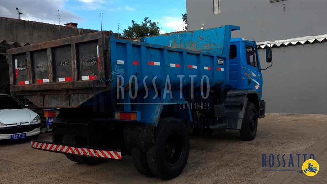MERCEDES-BENZ MB 1215 193000km 2000/2000 Rossatto Caminhões