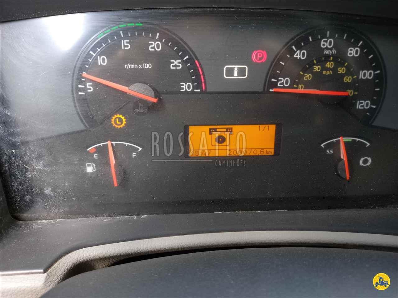 VOLVO VOLVO VM 270 208000km 2012/2012 Rossatto Caminhões