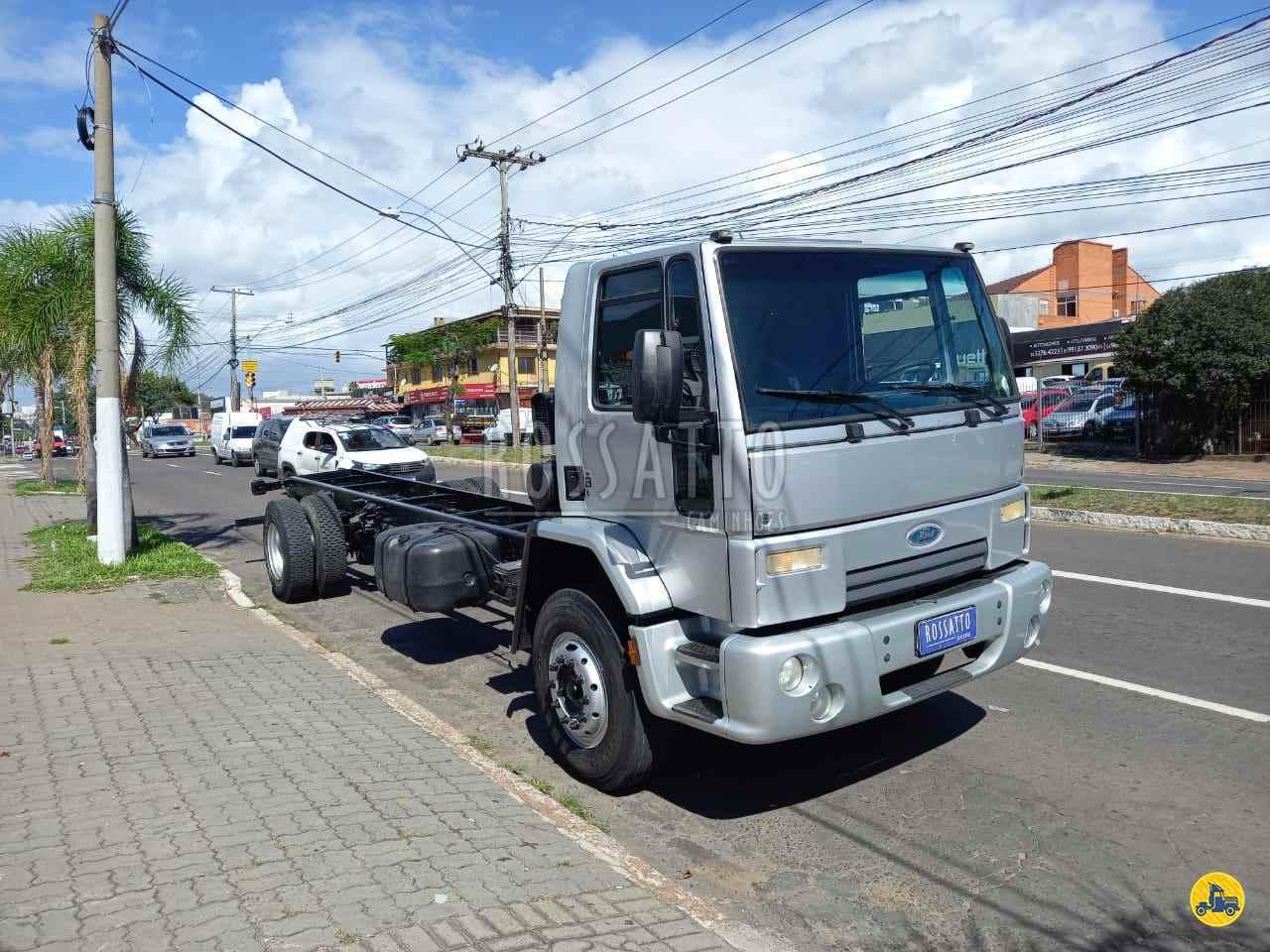 CAMINHAO FORD CARGO 1517 Chassis Toco 4x2 Rossatto Caminhões PORTO ALEGRE RIO GRANDE DO SUL RS