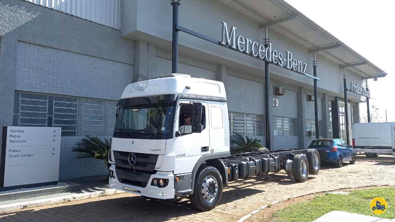 CAMINHAO MERCEDES-BENZ MB 2426 Baú Furgão Truck 6x2 Wilson Caminhões RIBEIRAO PIRES SÃO PAULO SP