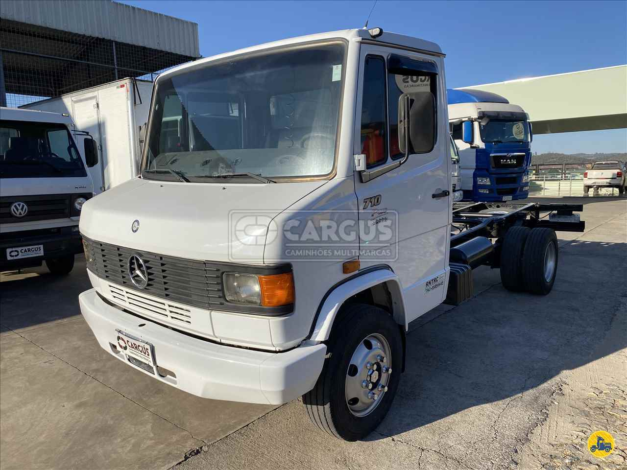 MB 710 de Cargus Veículos - PARA DE MINAS/MG