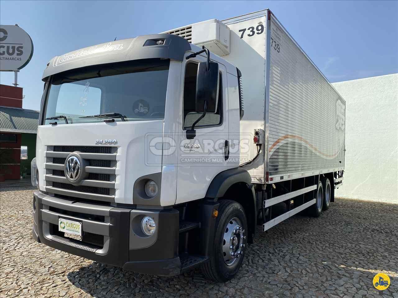 CAMINHAO VOLKSWAGEN VW 24280 Baú Frigorífico Truck 6x2 Cargus Veículos PARA DE MINAS MINAS GERAIS MG