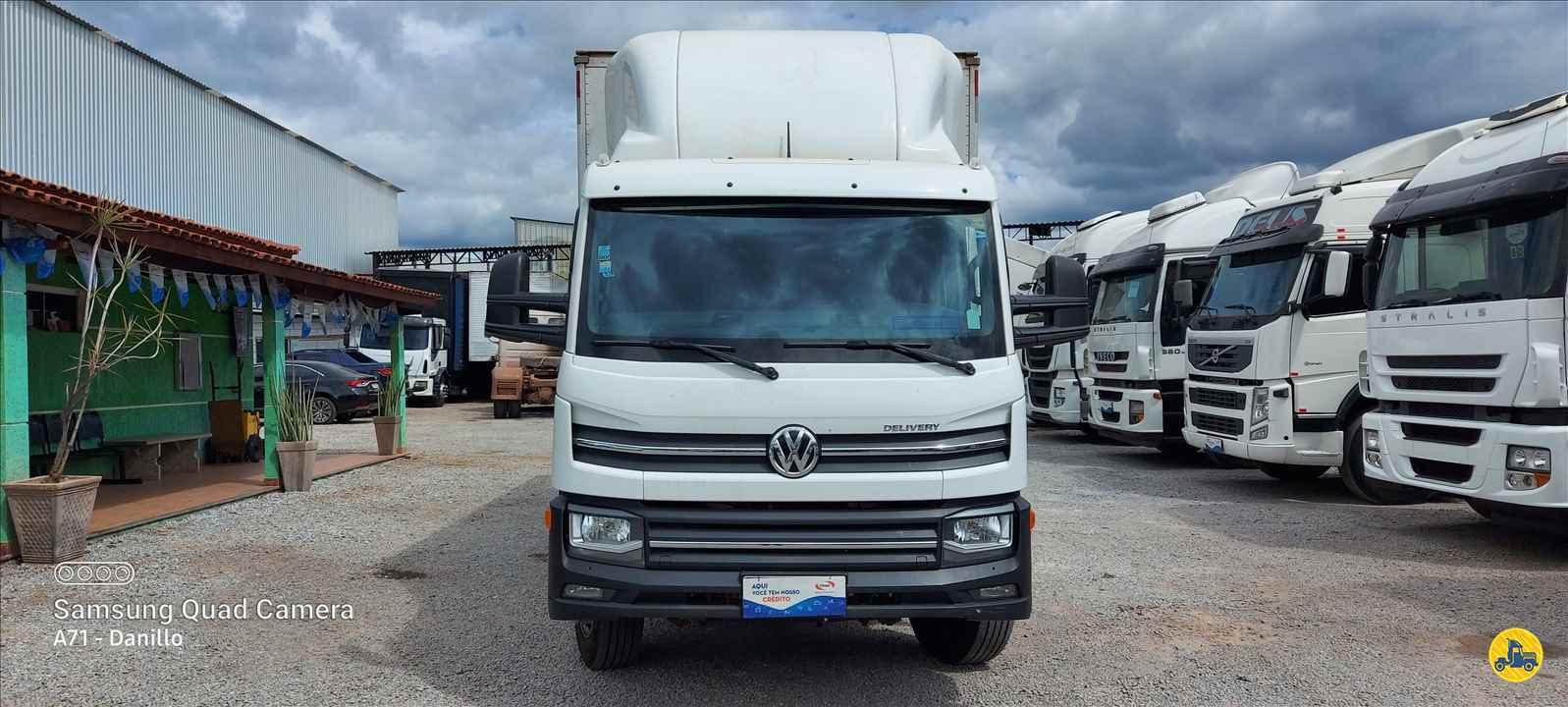 CAMINHAO VOLKSWAGEN VW 11180 Baú Furgão 3/4 4x2 13 de Maio Caminhões BETIM MINAS GERAIS MG