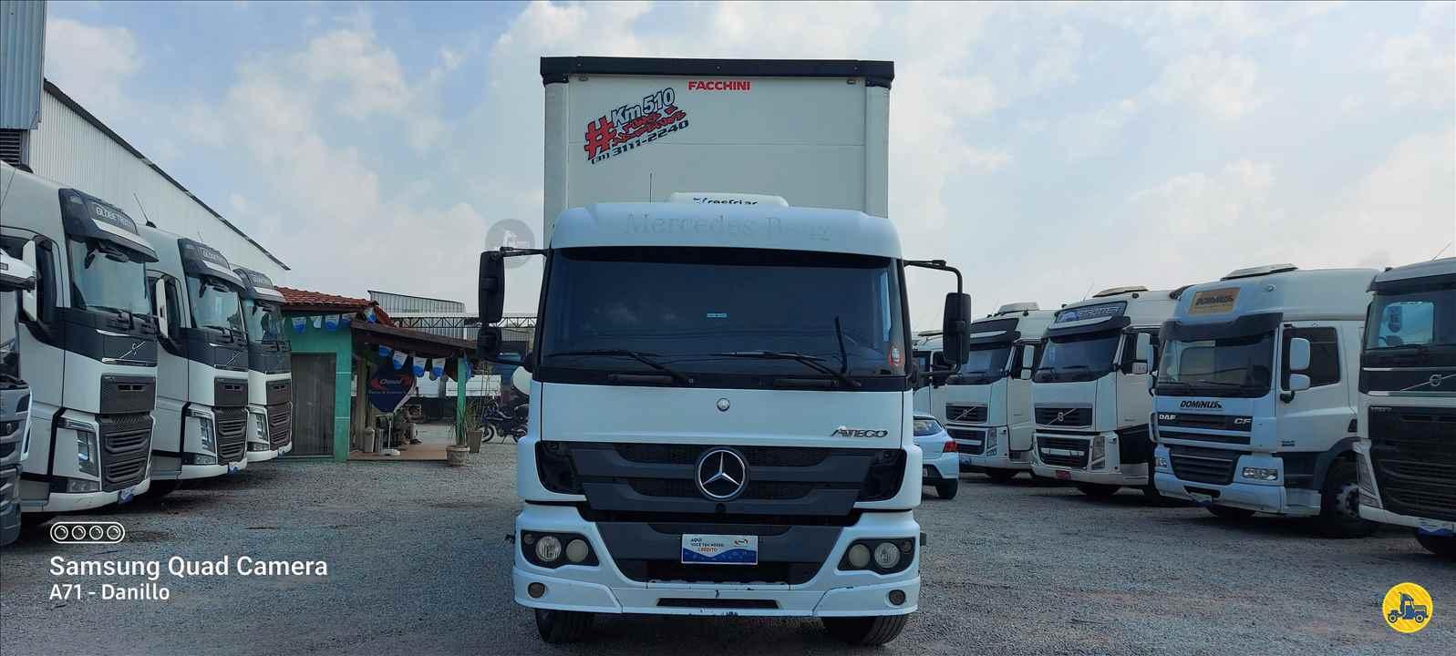 CAMINHAO MERCEDES-BENZ MB 2426 Baú Sider Truck 6x2 13 de Maio Caminhões BETIM MINAS GERAIS MG