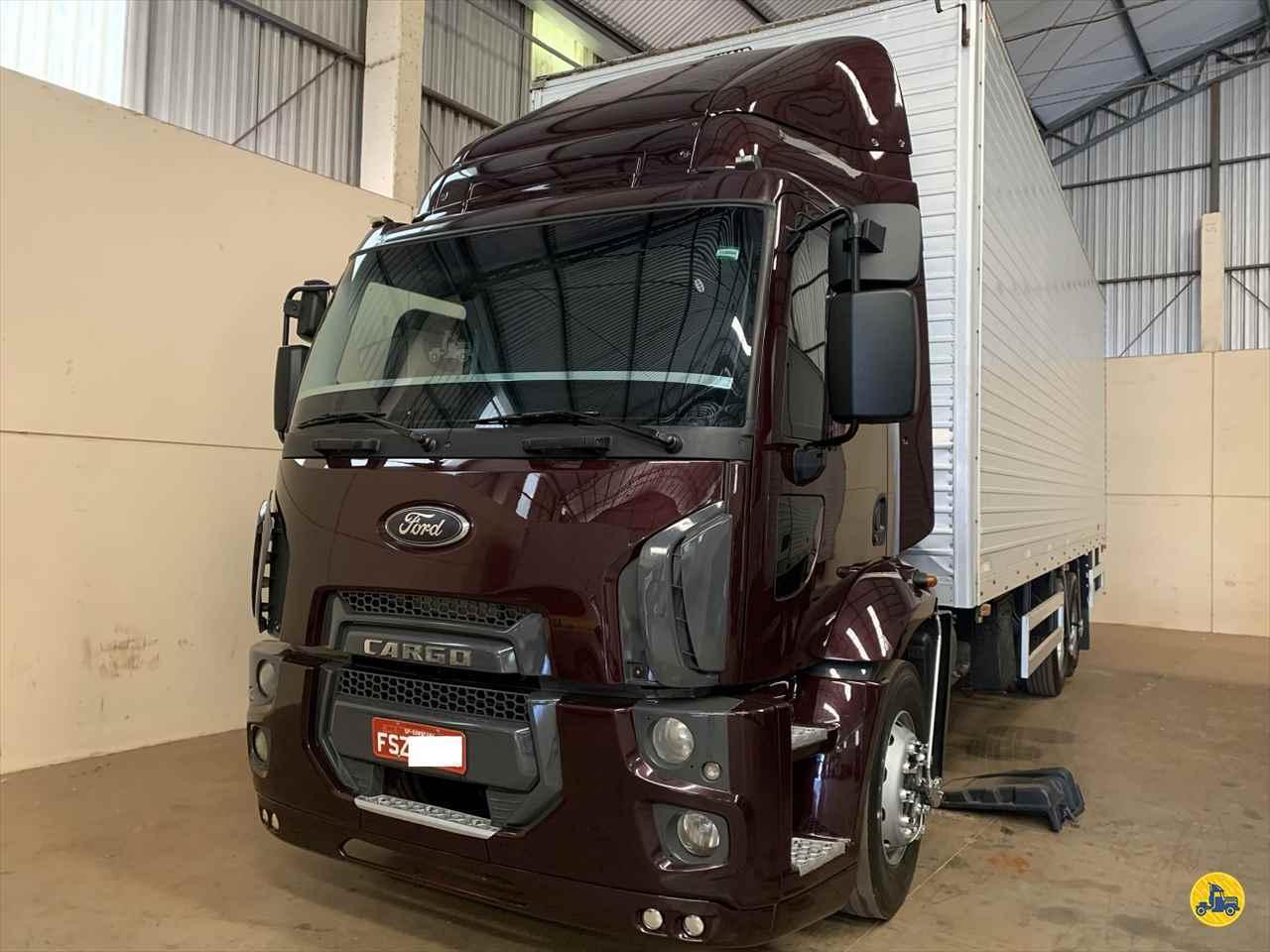 CAMINHAO FORD CARGO 2423 Baú Furgão Truck 6x2 Estacionamento Gaúcho ARAPONGAS PARANÁ PR