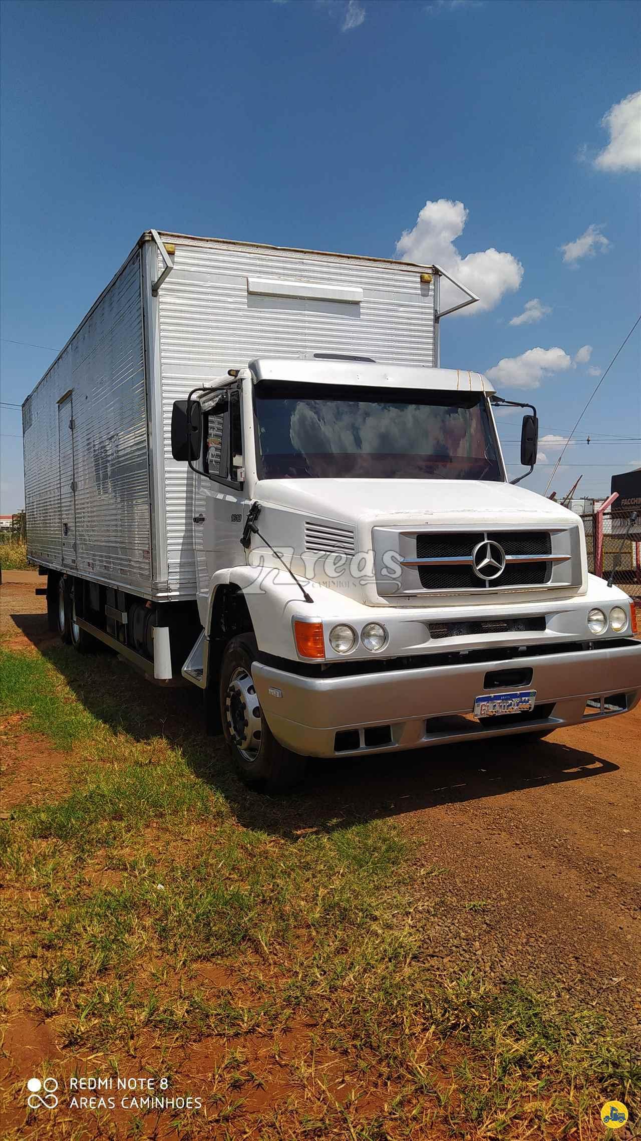 CAMINHAO MERCEDES-BENZ MB 1618 Baú Furgão Truck 6x2 Arêas Caminhões MARINGA PARANÁ PR