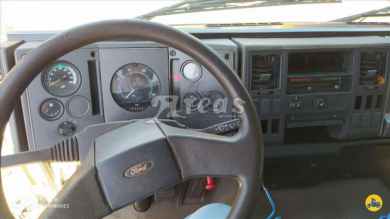 FORD CARGO 815  2003/2003 Arêas Caminhões