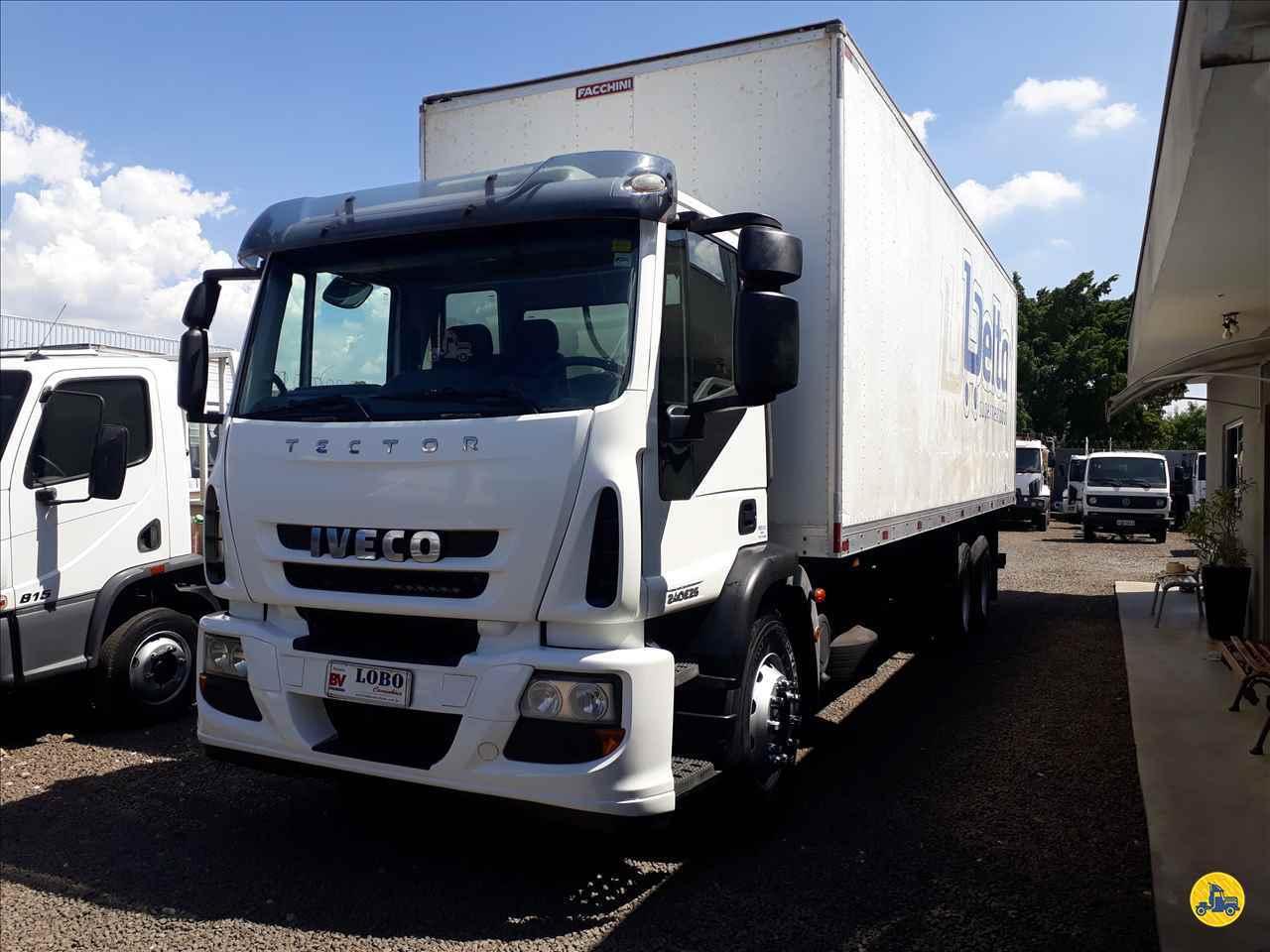CAMINHAO IVECO TECTOR 240E25 Baú Furgão Truck 6x2 Lobo Caminhões AMERICANA SÃO PAULO SP
