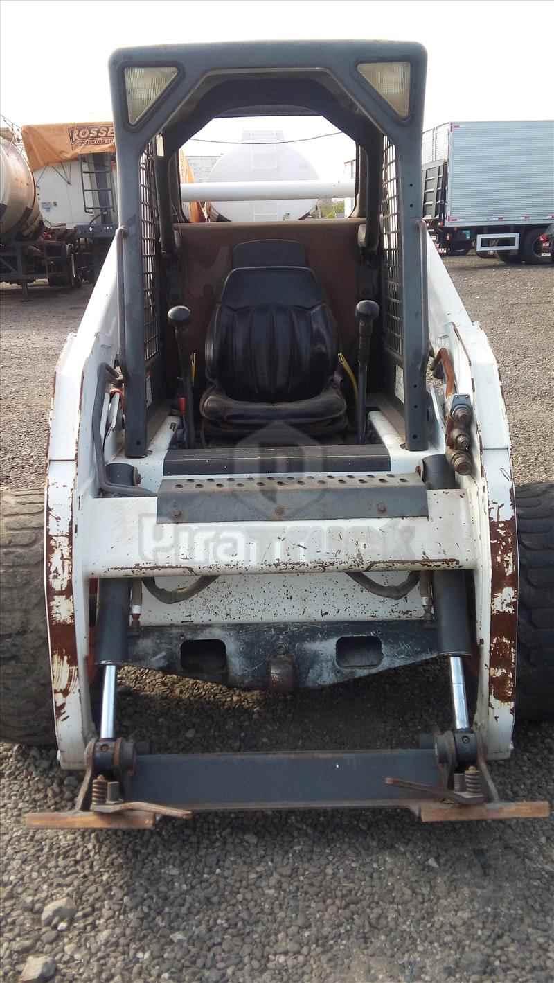 BOBCAT S185  2011/2011 Piratruck Implementos Rodoviários