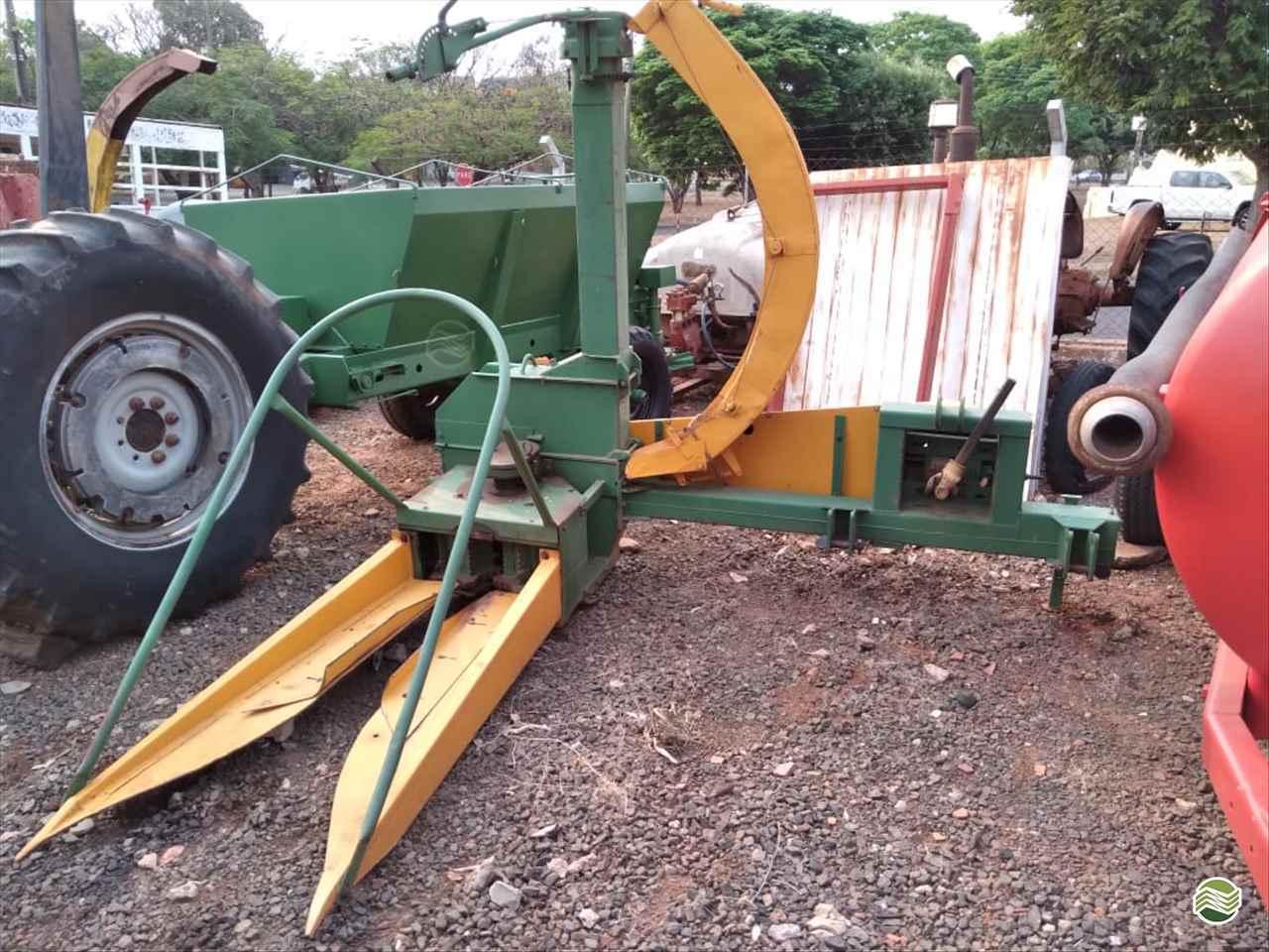 IMPLEMENTOS AGRICOLAS ENSILADEIRA ENSILADEIRA 1 LINHA Rei dos Tratores São José do Rio Preto SÃO PAULO SP