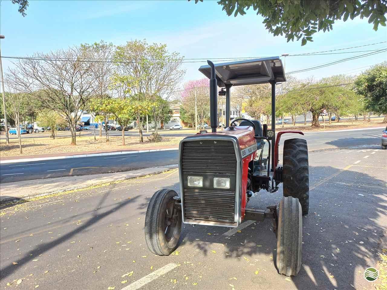 TRATOR MASSEY FERGUSON MF 265 Tração 4x2 Rei dos Tratores São José do Rio Preto SÃO PAULO SP