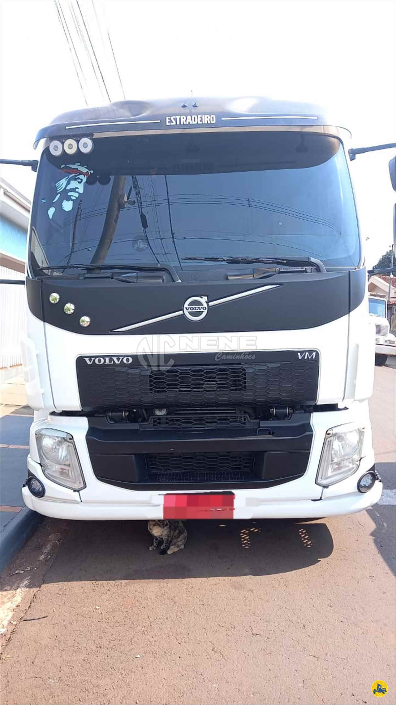 CAMINHAO VOLVO VOLVO VM 270 Carga Seca Truck 6x2 Nene Caminhões SAO JOAO DA BOA VISTA SÃO PAULO SP