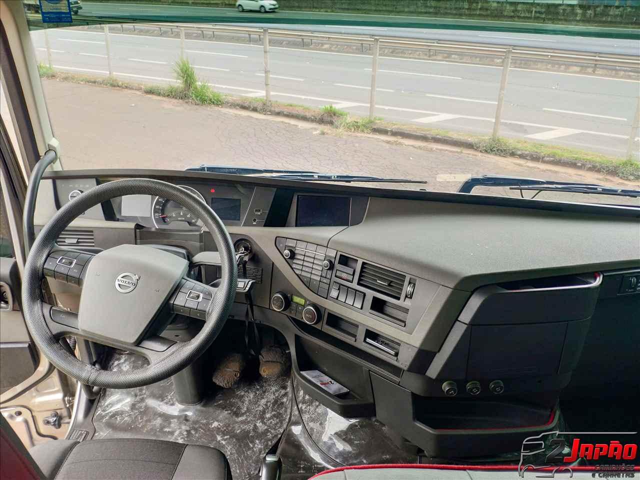 VOLVO VOLVO FH 540 415000km 2017/2018 2 Japão Caminhões e Carretas