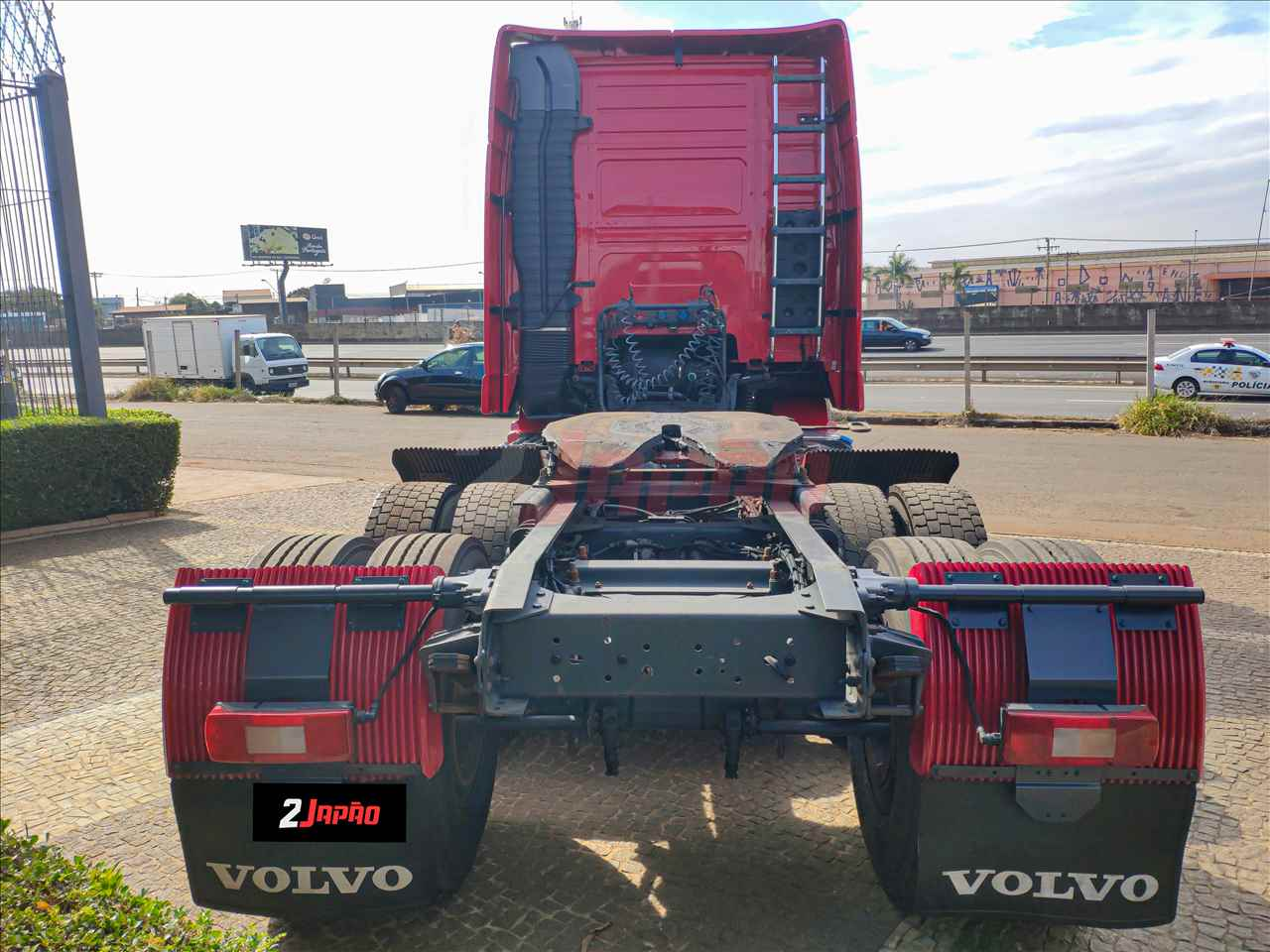 VOLVO VOLVO FH 460 704000km 2013/2014 2 Japão Caminhões e Carretas