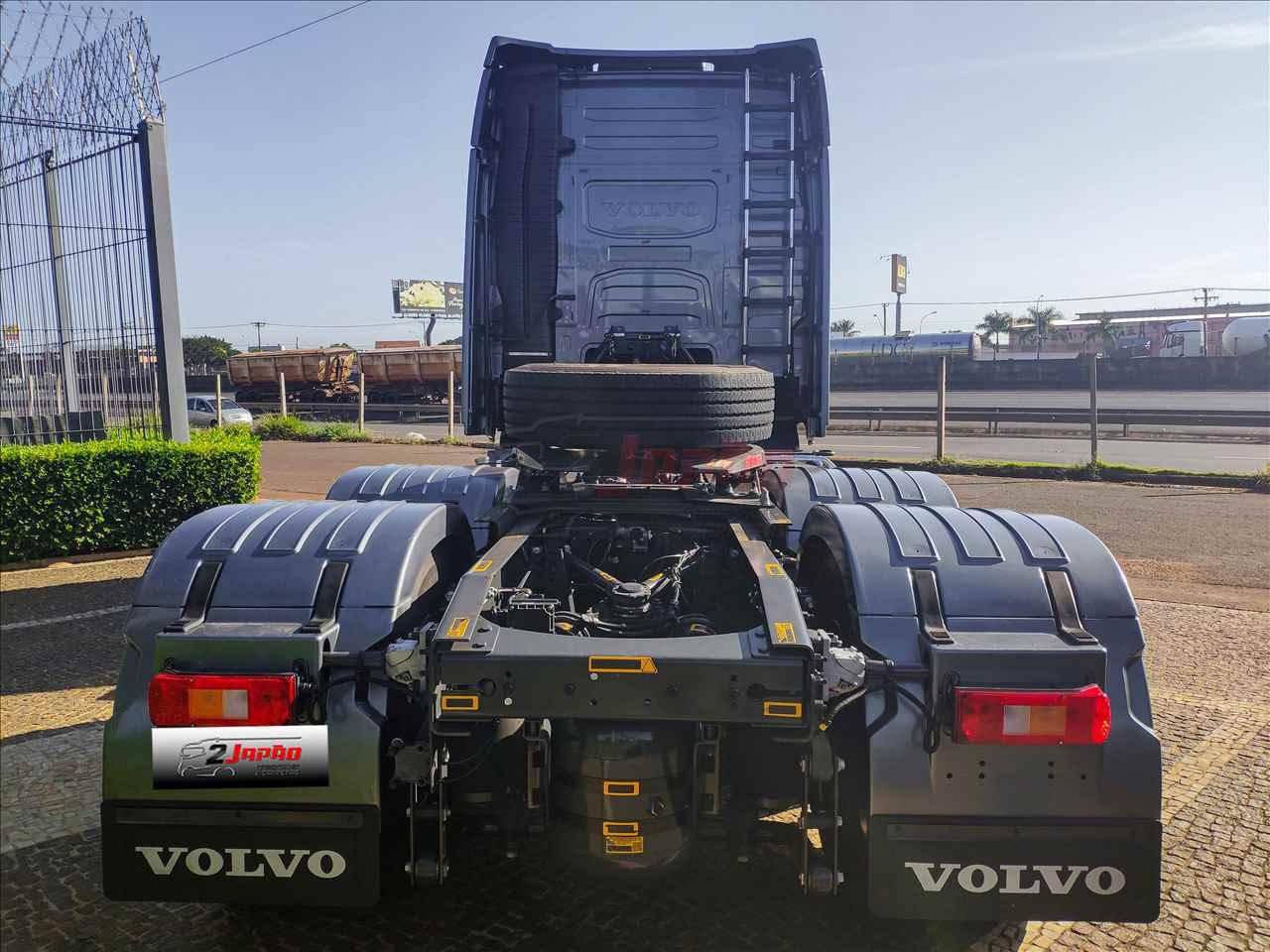 VOLVO VOLVO FH 460 41000km 2020/2021 2 Japão Caminhões e Carretas