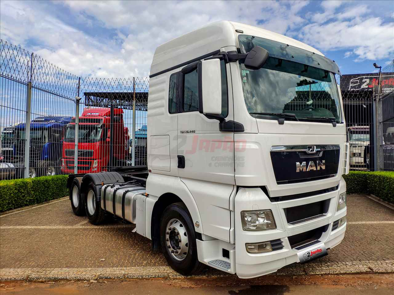 CAMINHAO MAN TGX 28 440 Cavalo Mecânico Truck 6x2 2 Japão Caminhões e Carretas SUMARE SÃO PAULO SP