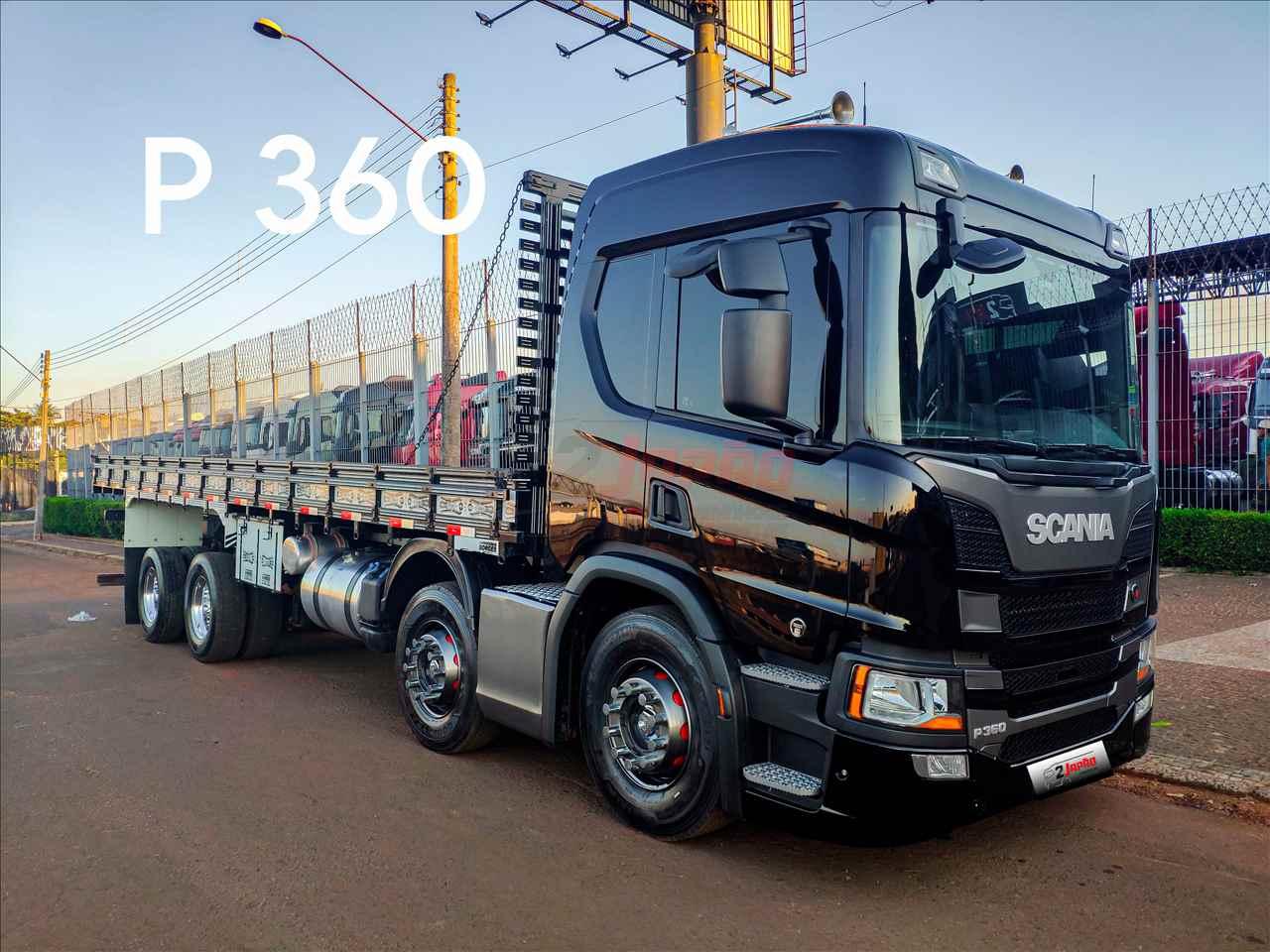 SCANIA P320 de 2 Japão Caminhões e Carretas - SUMARE/SP