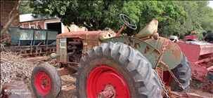 ANTIGOS FARMER  2050/2050 Central Máquinas - Case