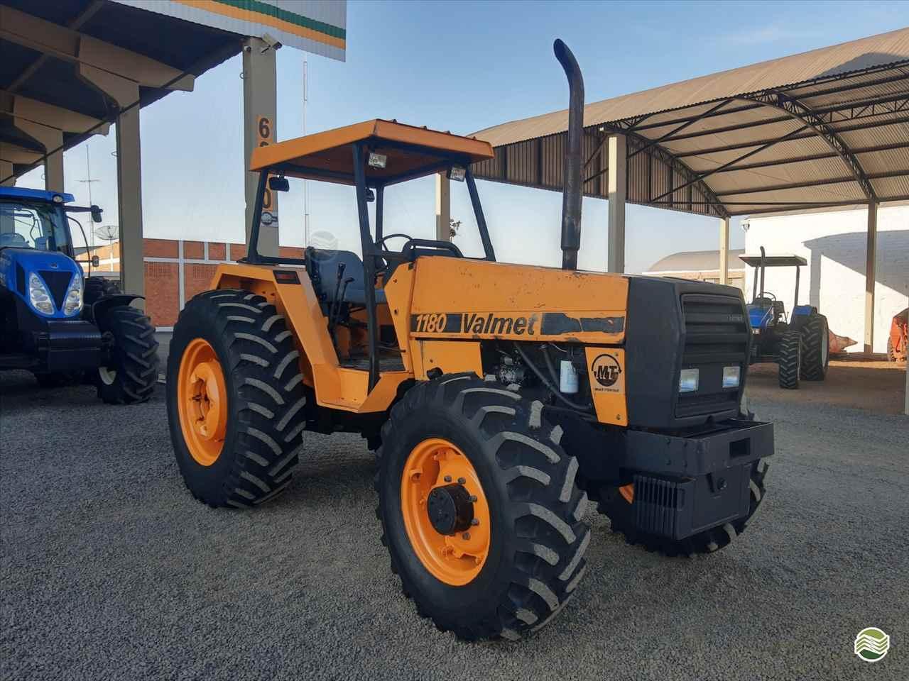 TRATOR VALMET VALMET 1180 Tração 4x4 GR Máquinas Agrícolas ARAPONGAS PARANÁ PR