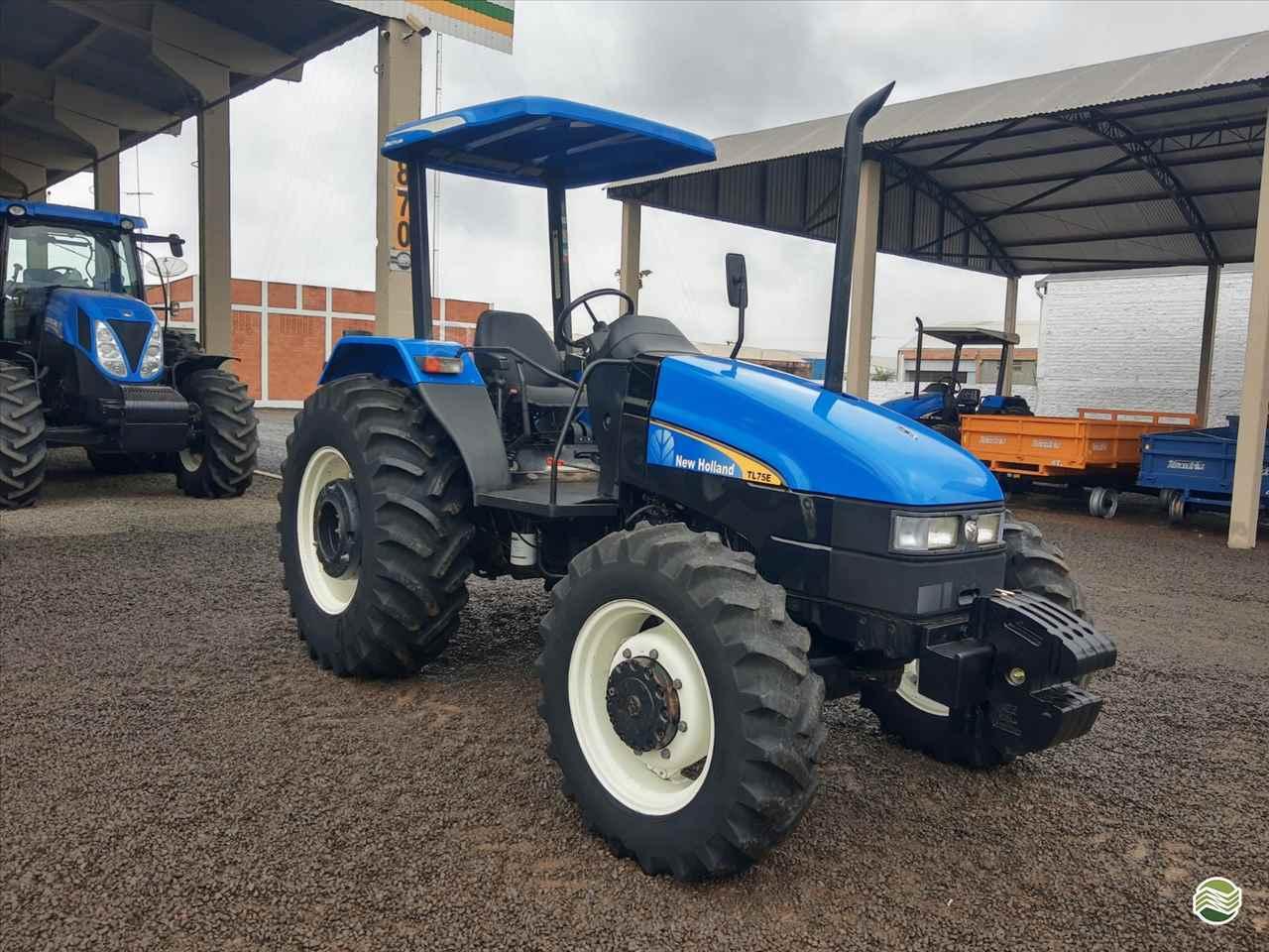 TRATOR NEW HOLLAND NEW TL 75 Tração 4x4 GR Máquinas Agrícolas ARAPONGAS PARANÁ PR