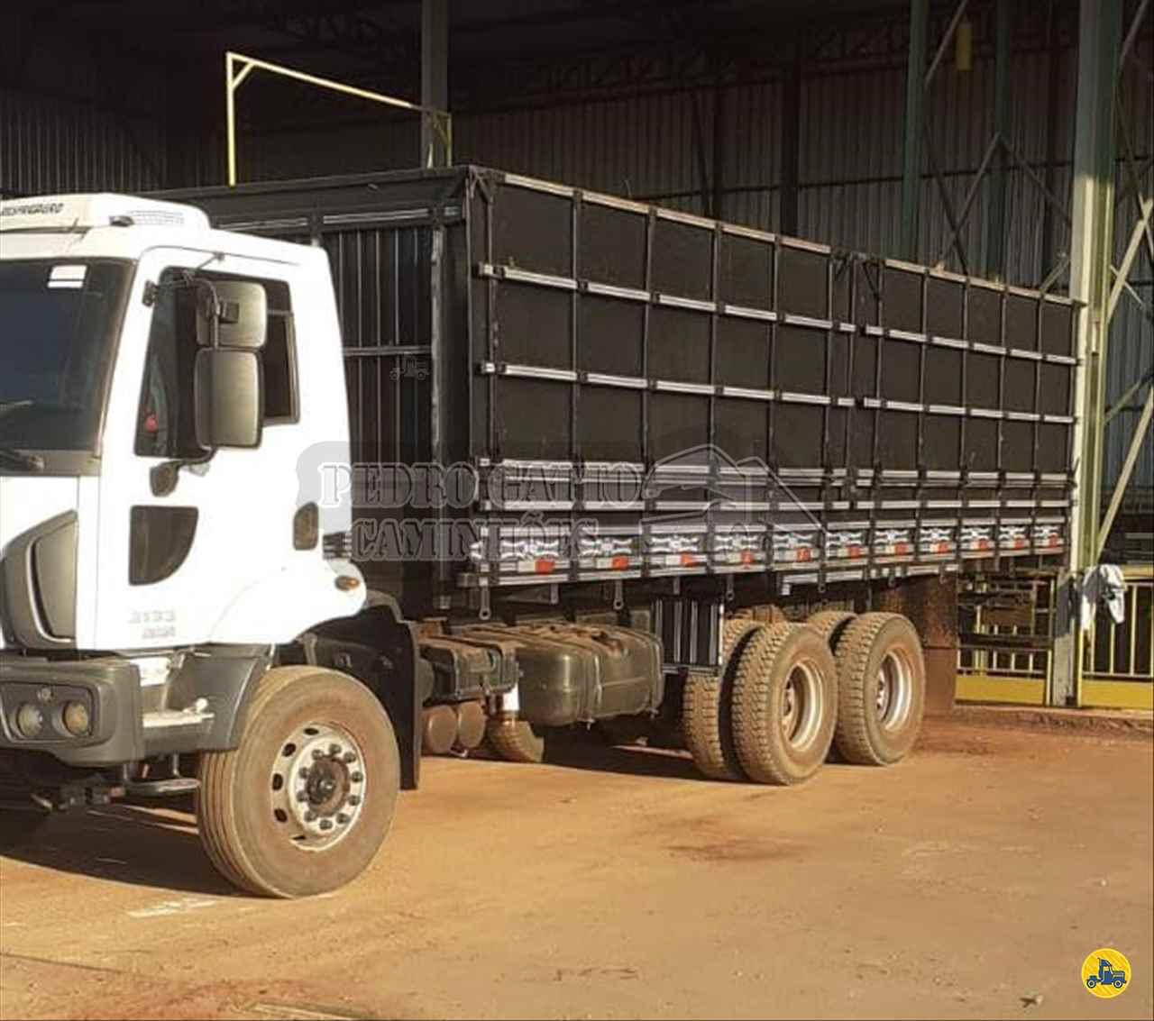 CAMINHAO FORD CARGO 3133 Graneleiro Traçado 6x4 Pedro Gatto Caminhões MARINGA PARANÁ PR