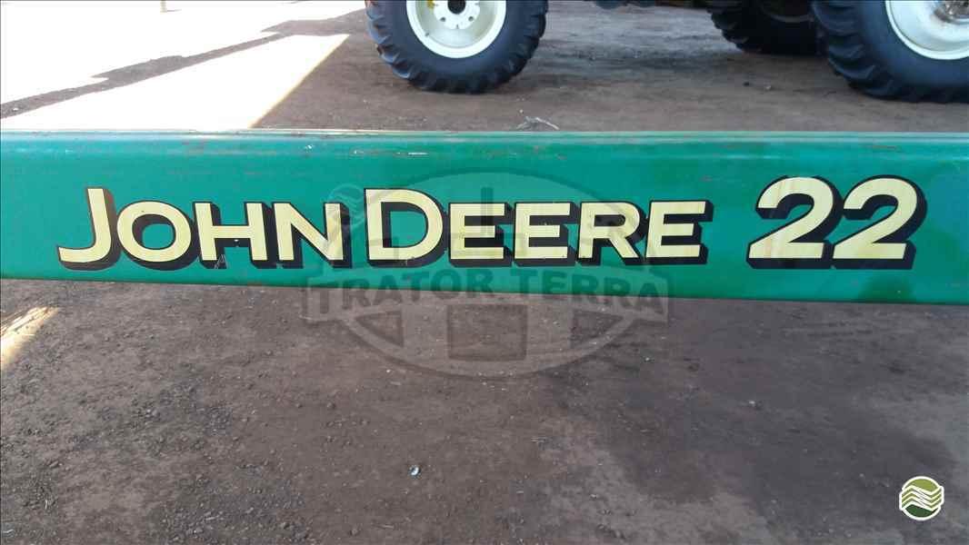 JOHN DEERE JOHN DEERE 1570  2010/2010 Trator Terra - Jatai