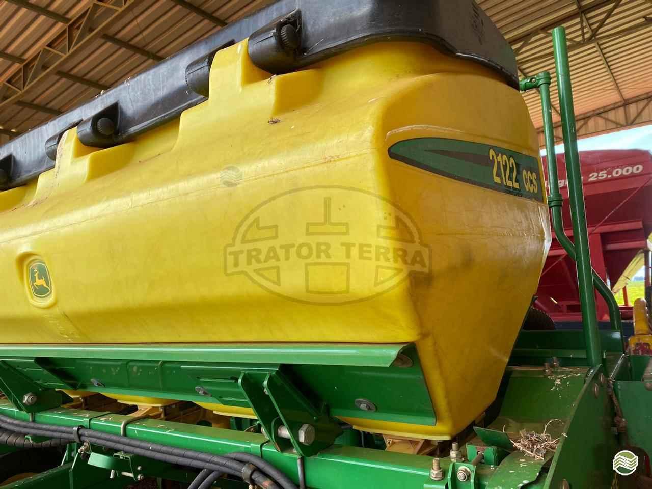 JOHN DEERE PLANTADEIRAS 2122  2015/2015 Trator Terra - Jatai