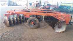 GRADE ARADORA ARADORA 18 DISCOS  2000 Trator Terra - Jatai