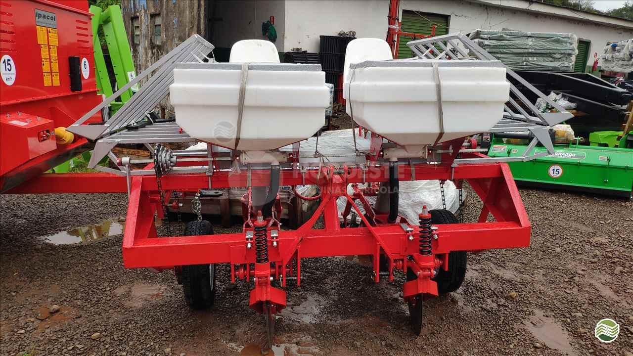 PLANTADEIRA DE MANDIOCA de Noroeste Máquinas Agrícolas - CIANORTE/PR
