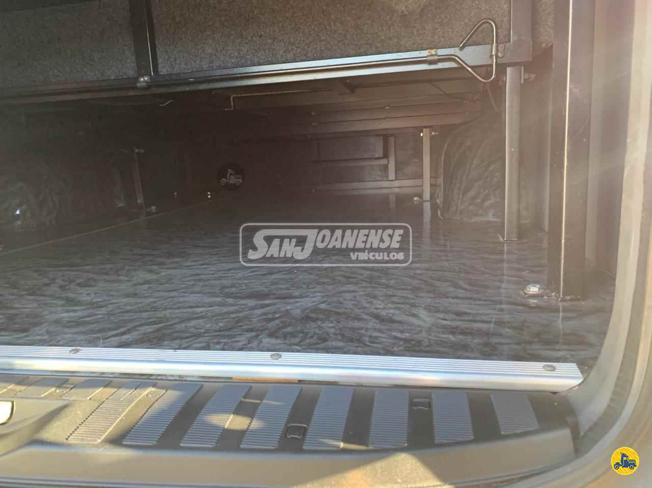 MERCEDES-BENZ Sprinter VAN 415 195000km 2017/2017 Sanjoanense Veículos