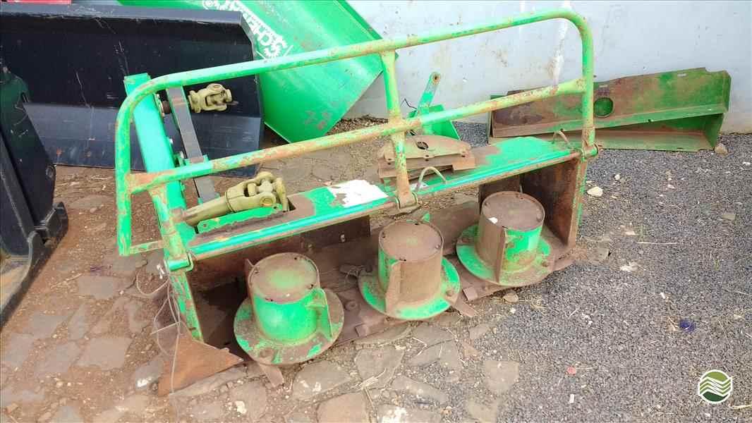 ENSILADEIRA COLHEDORA DE CAPIM  2012 Tratordiesel - Landini