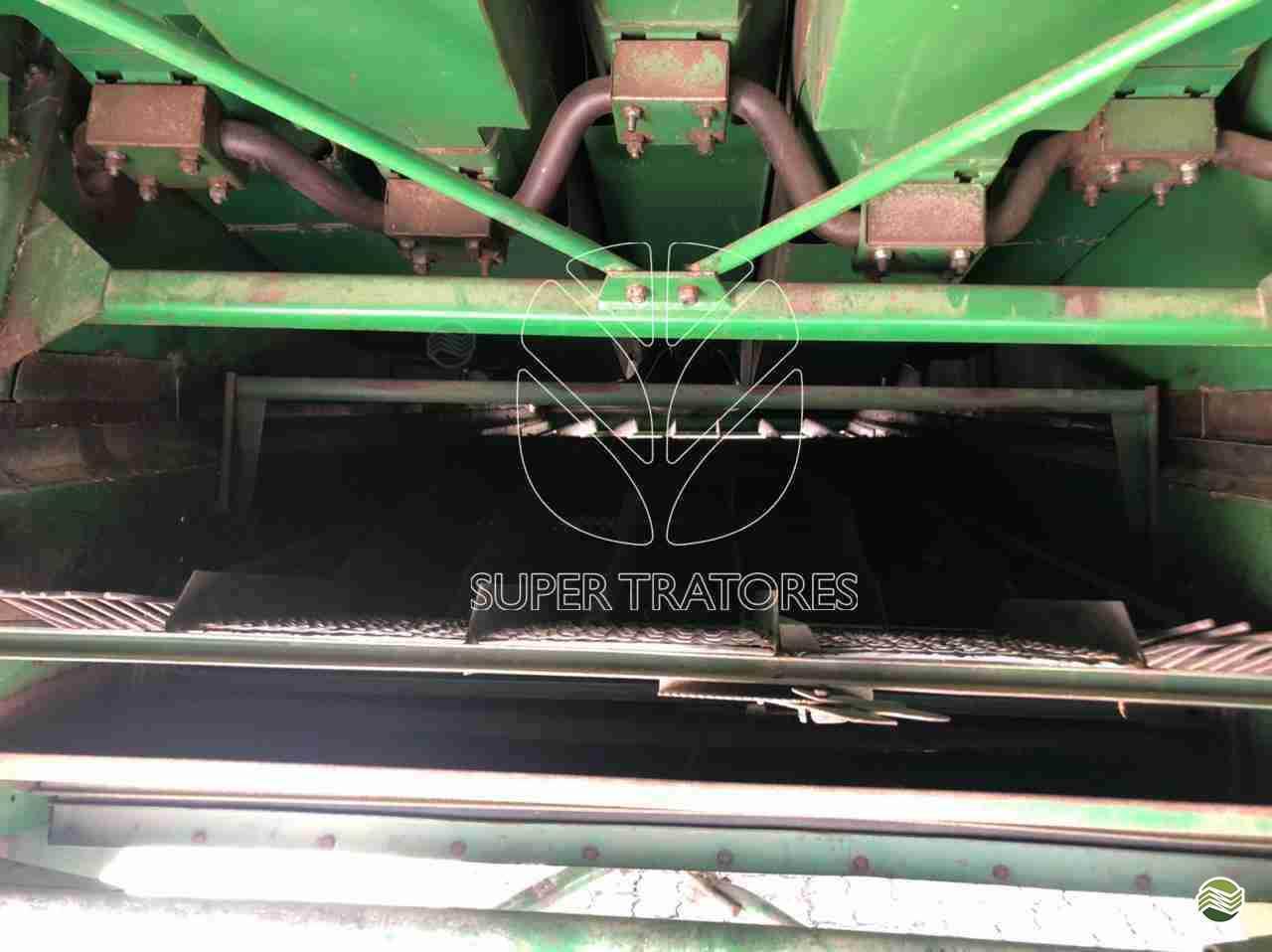 JOHN DEERE JOHN DEERE 1175  1999/1999 Super Tratores - New Holland - Matriz