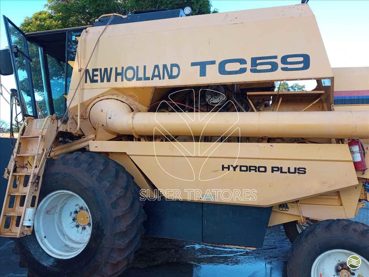 COLHEITADEIRA NEW HOLLAND TC 59 Super Tratores - New Holland - Matriz SANTA MARIA RIO GRANDE DO SUL RS